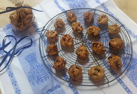 caramel date walnut rolls