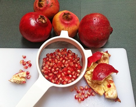pomegranate-seeds-how-to-seed-pomegranate