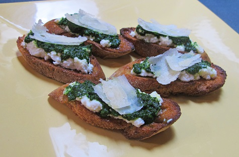 Kale Pesto Bruschetta