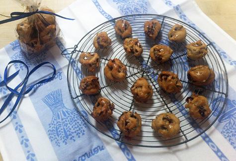 caramel-date-walnut-rolls